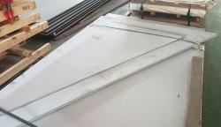 客制化不鏽鋼板裁切(直角三角型)